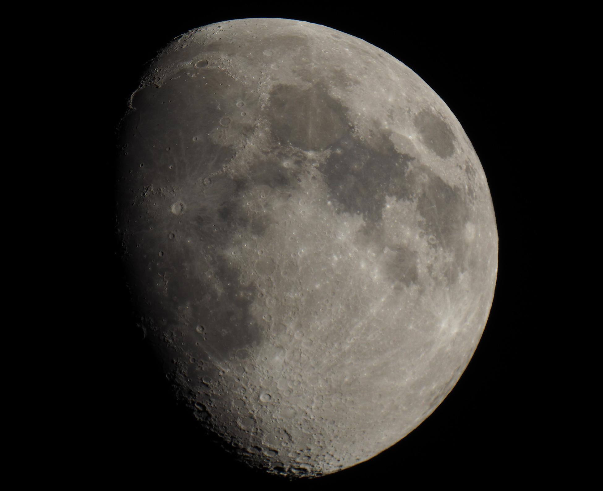 Moon in Helsinki 1.6.2020
